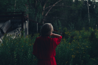 Moody red-green nature - example preset