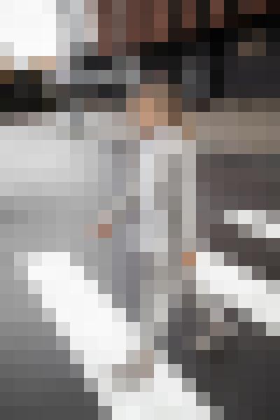 Dress shirt, road surface, street fashion, standing (myi7bpjt) - example preset